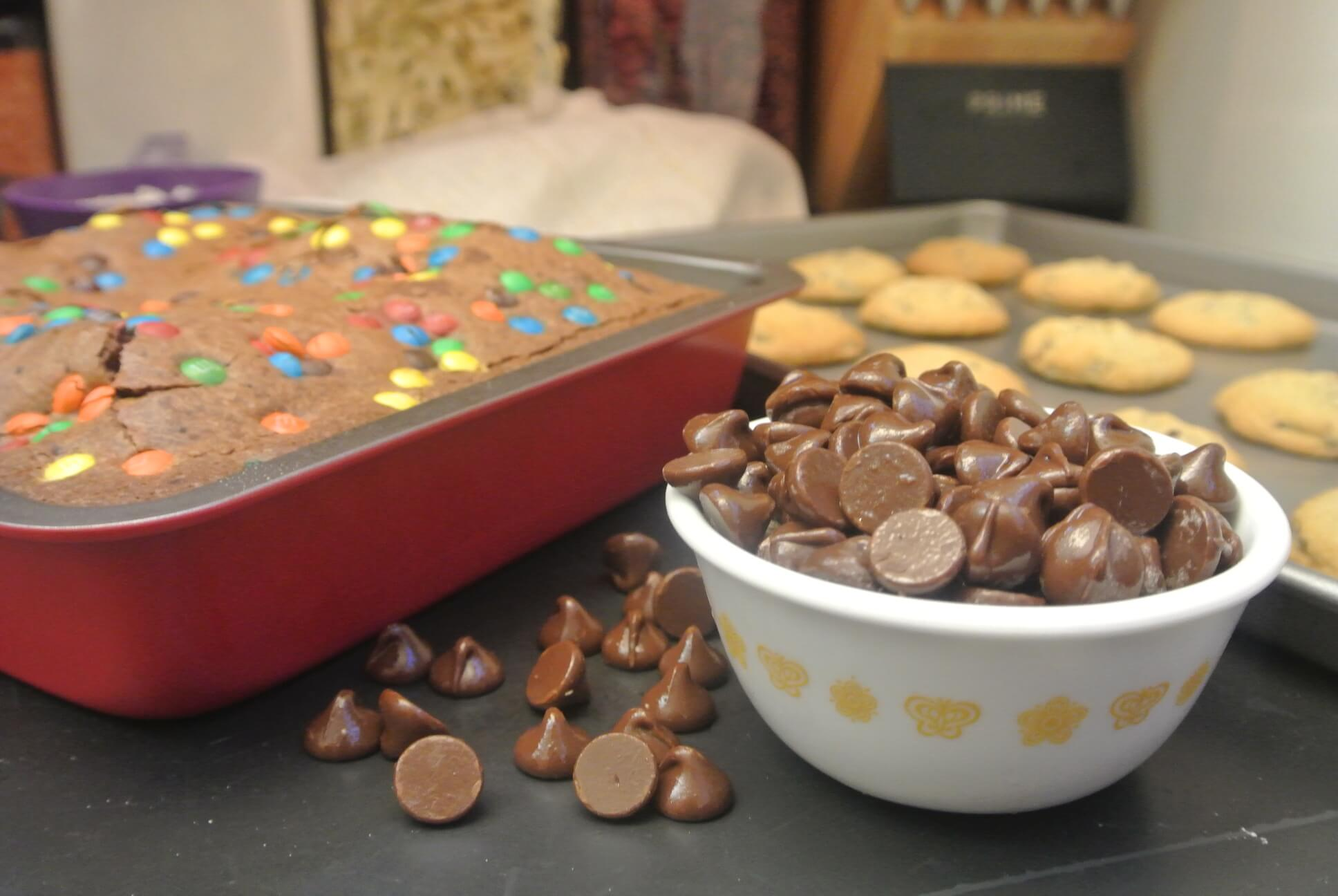 4) M&M Brownies and Chocolate Chip Cookies with Baker's Secret Bake & Serve: